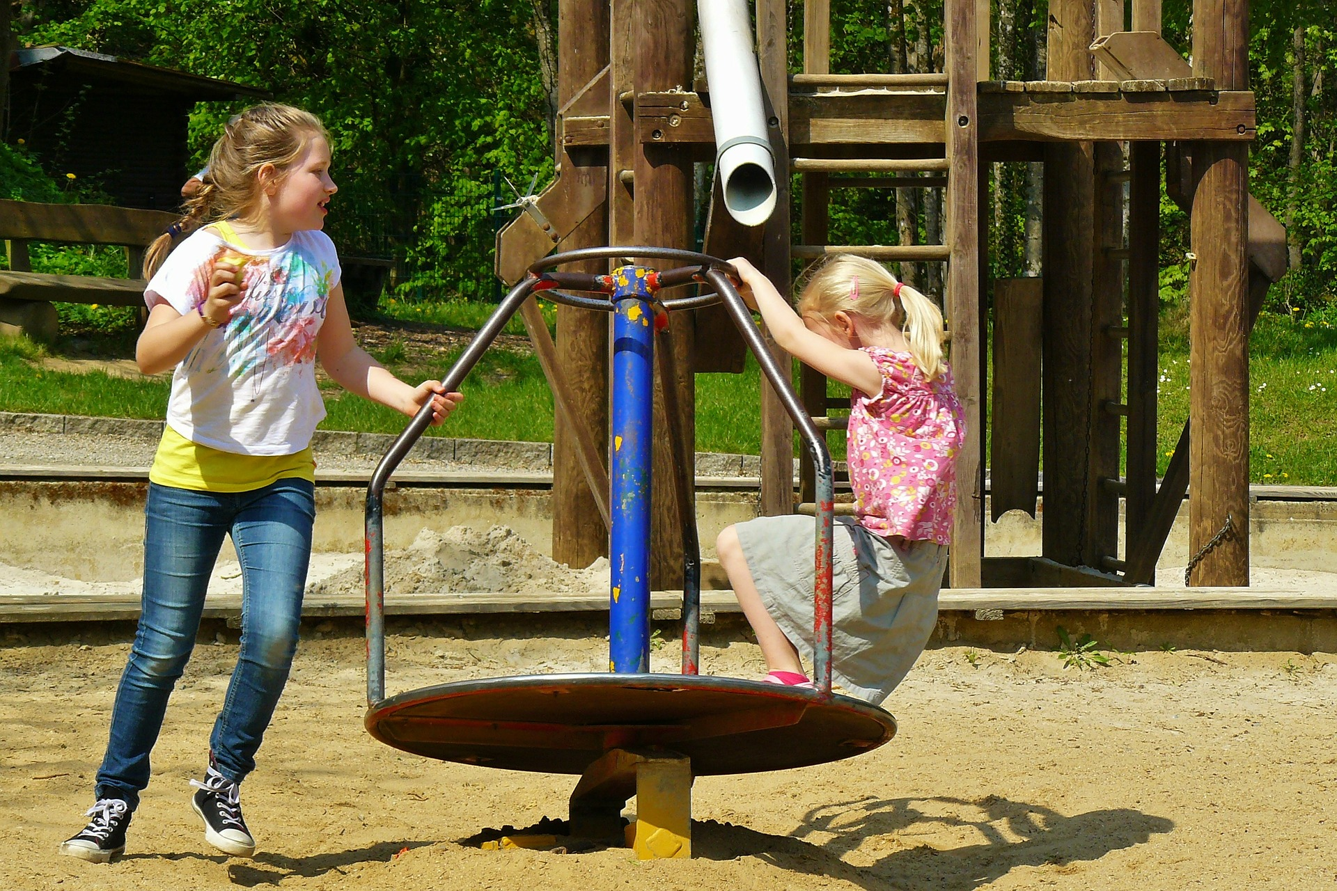 children-playing-334531_1920